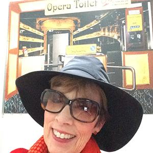 opera-toilet-square